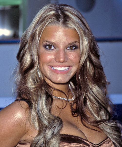 Jessica Simpson Long Wavy Casual Hairstyle