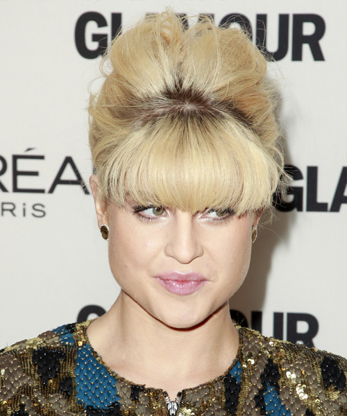Kelly Osbourne  Long Straight   Light Blonde and  Brunette Two-Tone  Updo  with Blunt Cut Bangs