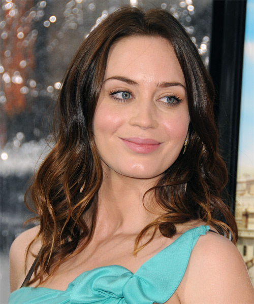 Emily Blunt Long Wavy Casual   Hairstyle
