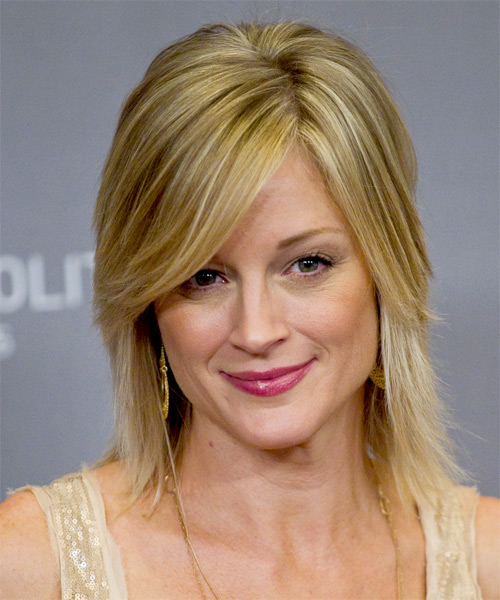 Teri Polo Medium Straight Casual   Hairstyle