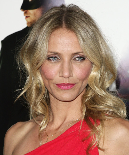 Cameron Diaz Medium Wavy Casual    Hairstyle   - Light Blonde Hair Color