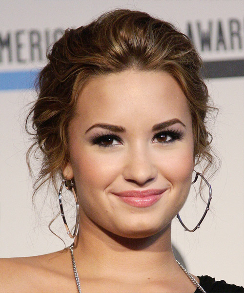 haircut gallery frontal views of up do hairstyles demi lovato updo 5284