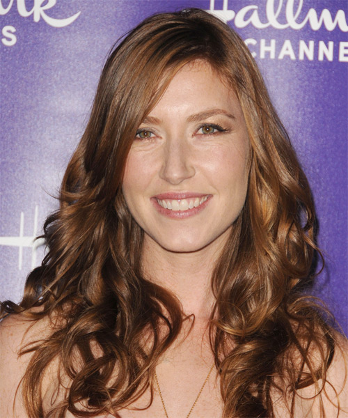 Katherine Flynn Long Wavy Casual   Hairstyle