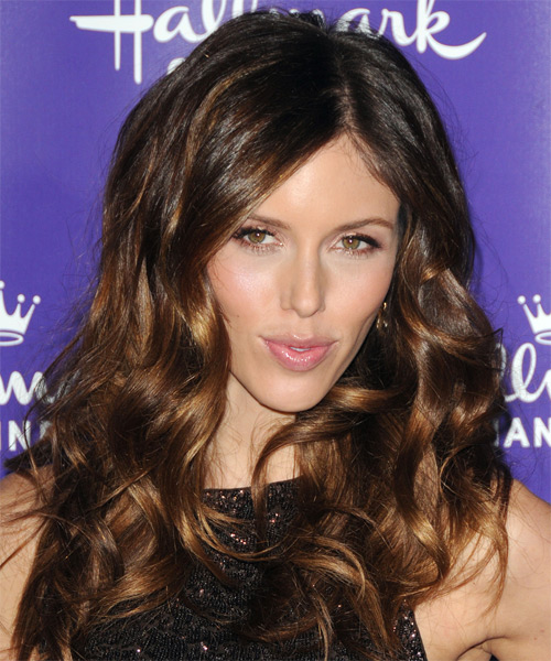 Kayla Ewell Long Wavy Casual   Hairstyle