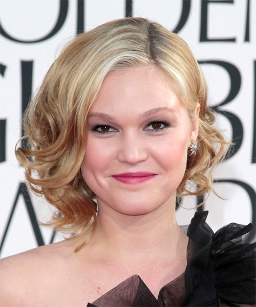 Julia Stiles Medium Wavy Formal   Hairstyle