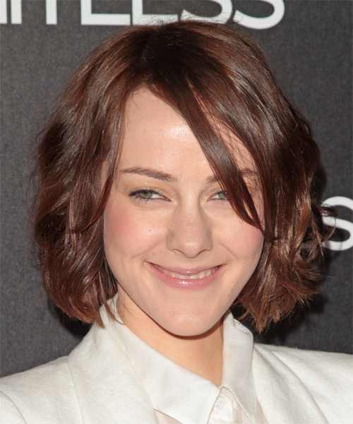 Jena Malone Medium Wavy Casual   Hairstyle with Side Swept Bangs  - Medium Brunette (Chocolate)
