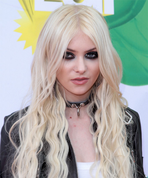 Taylor Momsen Long Wavy Casual    Hairstyle   - Light Platinum Blonde Hair Color
