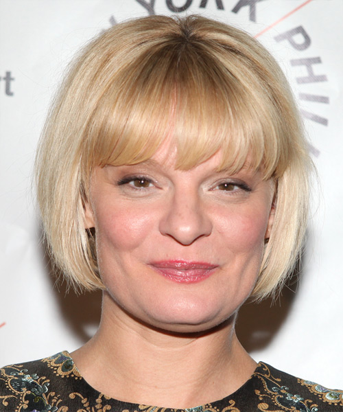 Martha Plimpton square face shape - Short Straight Light Blonde Layered Bob Hairstyle with Blunt Cut Bangs