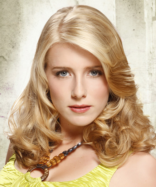 Long Wavy   Light Champagne Blonde   Hairstyle