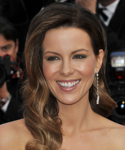 Kate Beckinsale Long Wavy    Brunette   Hairstyle   with Light Brunette Highlights