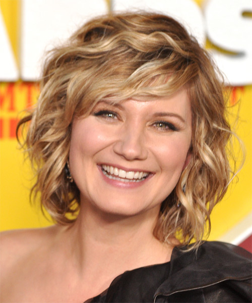 Jennifer Nettles Short Wavy Formal   Hairstyle   - Dark Blonde