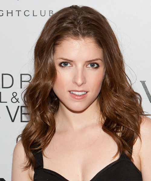 Anna Kendrick Long Wavy Casual    Hairstyle   - Light Chestnut Brunette Hair Color