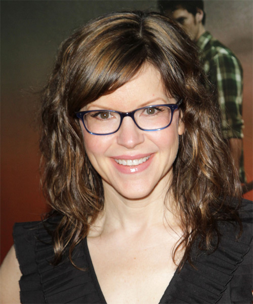Lisa Loeb Medium Wavy Casual   Hairstyle with Side Swept Bangs  - Dark Brunette