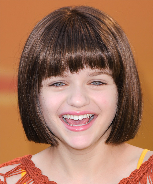 Joey King Medium Straight Casual   Hairstyle with Blunt Cut Bangs  - Medium Brunette