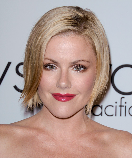 Kathleen Robertson Short Straight Casual Layered Bob  Hairstyle   - Light Champagne Blonde Hair Color with Light Blonde Highlights