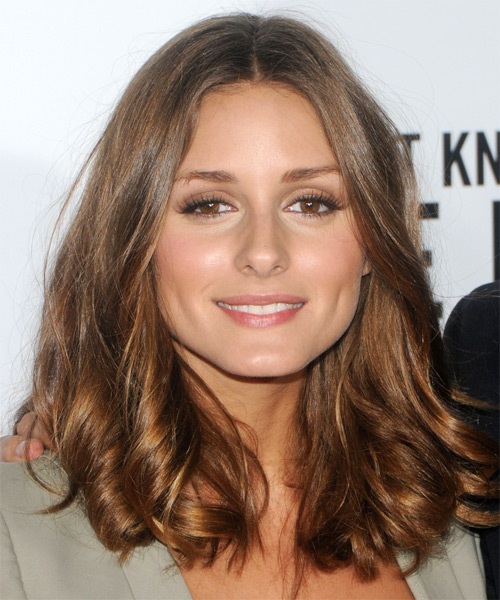 Olivia Palermo Medium Wavy Casual   Hairstyle   - Light Brunette