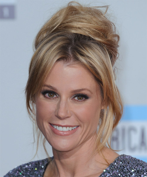 Julie Bowen  Long Straight Casual   Updo Hairstyle   - Medium Ginger Blonde Hair Color with Light Blonde Highlights