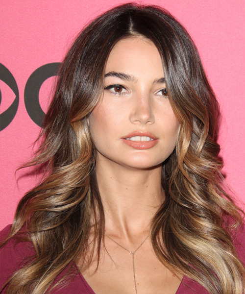 Lily Aldridge Long Wavy Brunette Hairstyle With Dark
