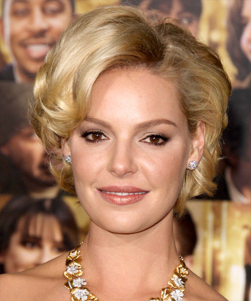 Katherine Heigl Short Wavy Formal    Hairstyle   -  Golden Brunette Hair Color with Light Blonde Highlights