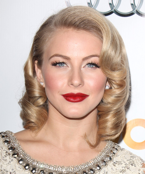 Julianne Hough Medium Curly Layered  Light Champagne Blonde Bob  Haircut   with Light Blonde Highlights