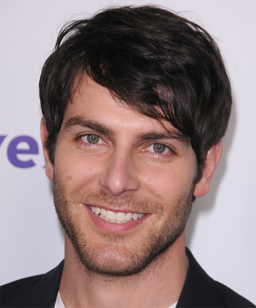 David Giuntoli Short Straight Casual   Hairstyle with Side Swept Bangs