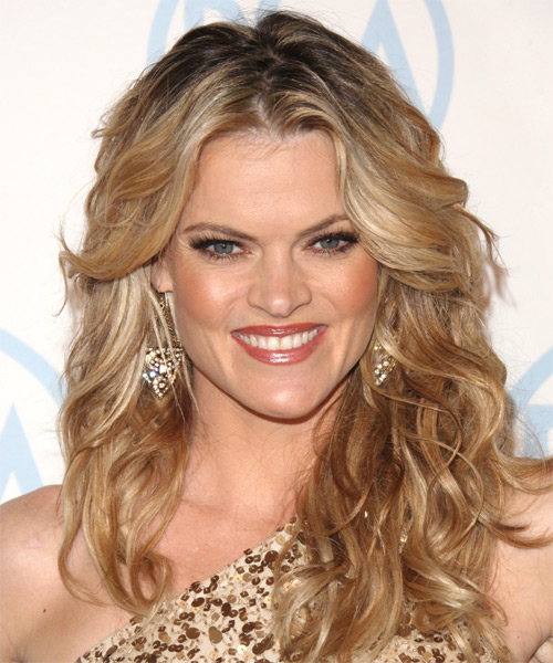 Missi Pyle  Long Wavy Casual   Hairstyle   - Medium Blonde