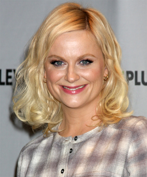 Amy Poehler Medium Wavy Casual Bob  Hairstyle   - Light Blonde (Golden)