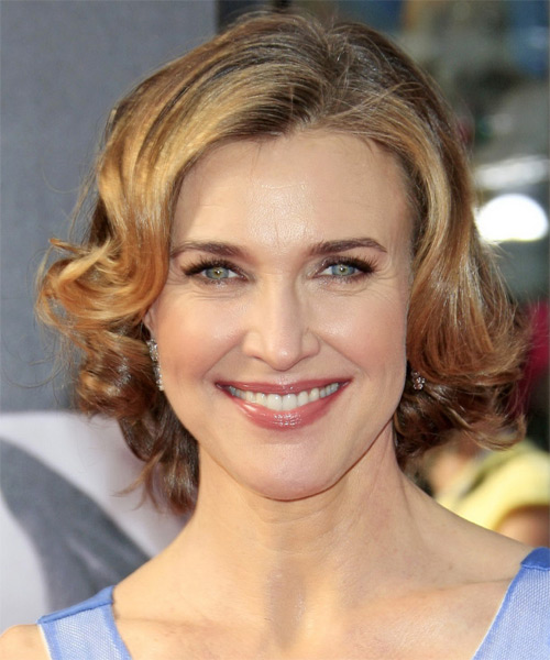 Brenda Strong Short Wavy Formal    Hairstyle   - Dark Blonde Hair Color with Light Blonde Highlights