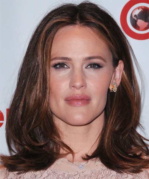 Jennifer Garner Medium Straight Casual    Hairstyle   -  Brunette Hair Color with Light Brunette Highlights
