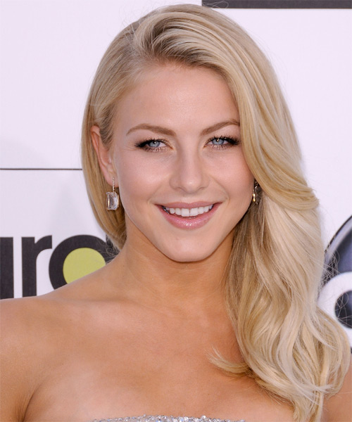 Julianne Hough Long Wavy   Light Champagne Blonde   Hairstyle   with Light Blonde Highlights