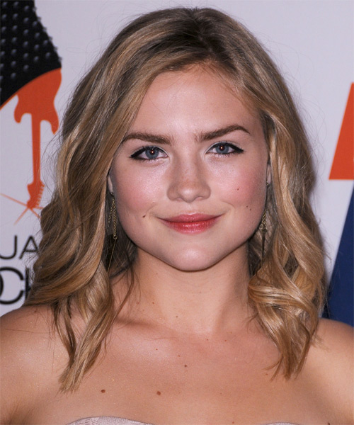 Maddie Hasson Medium Wavy Casual    Hairstyle   - Dark Caramel Blonde Hair Color with  Blonde Highlights