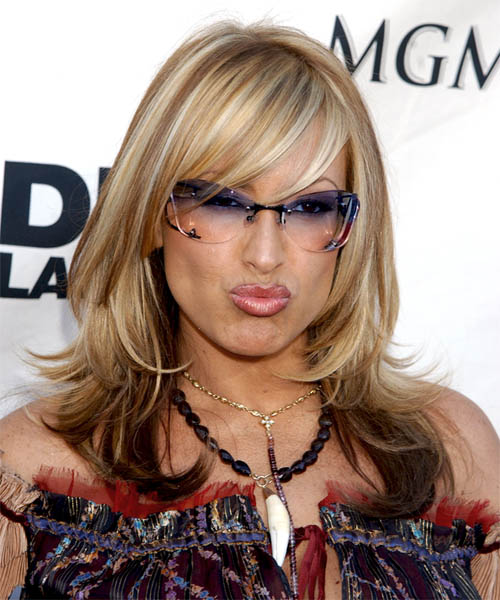 Anastacia: Straight Long Hairstyle With Bangs