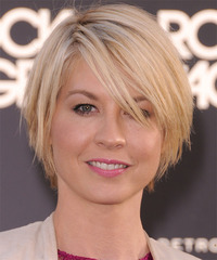 Jenna Elfman Short Straight Layered  Light Champagne Blonde Bob  Haircut with Side Swept Bangs  and Light Blonde Highlights