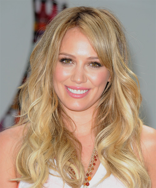 Hilary Duff Long Wavy Casual Shag  Hairstyle with Side Swept Bangs  - Medium Blonde (Champagne)