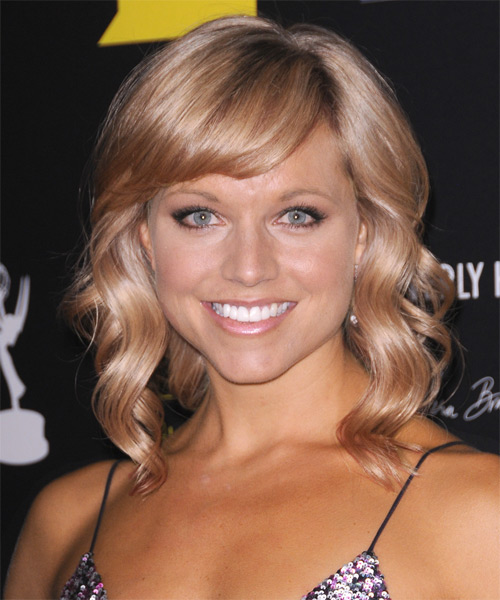 Tiffany Coyne Medium Wavy    Champagne Blonde   Hairstyle with Side Swept Bangs