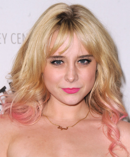 Alessandra Torresani Long Wavy Casual   Hairstyle with Side Swept Bangs  - Light Blonde