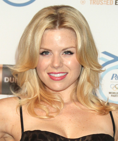 Megan Hilty Medium Straight Formal    Hairstyle   -  Golden Blonde Hair Color with Light Blonde Highlights