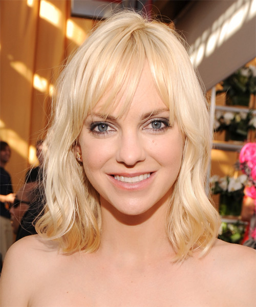 Anna Faris Medium Straight Casual   Hairstyle with Layered Bangs  - Light Blonde (Golden)