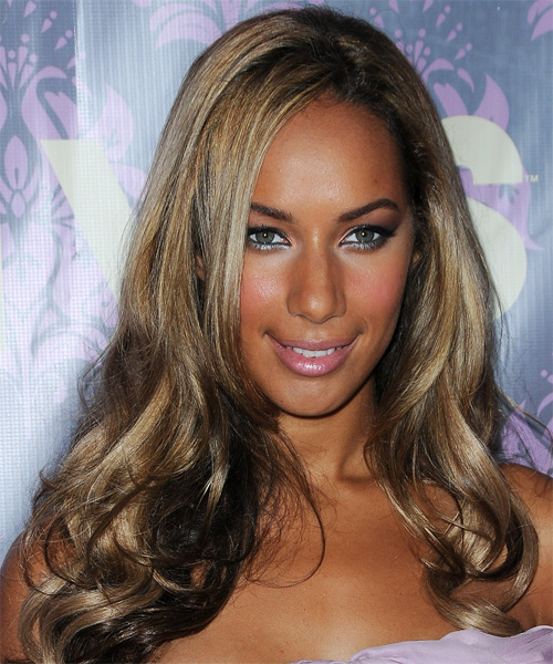 Leona Lewis Long Wavy   Dark Ash Blonde   Hairstyle   with Light Blonde Highlights