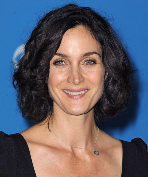 Carrie-Anne Moss Medium Wavy Casual Bob  Hairstyle   - Black