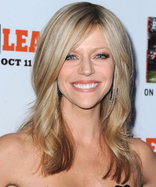 Kaitlin Olson Long Straight    Champagne Blonde   Hairstyle   with Light Blonde Highlights