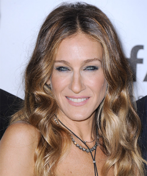 Sarah Jessica Parker Long Wavy   Light Caramel Brunette   Hairstyle   with Light Blonde Highlights