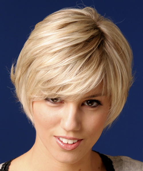 Short Straight Casual   Hairstyle   - Light Blonde (Strawberry)