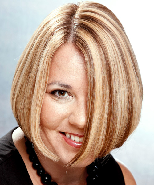 Medium Straight Casual   Hairstyle   - Medium Blonde (Chestnut)