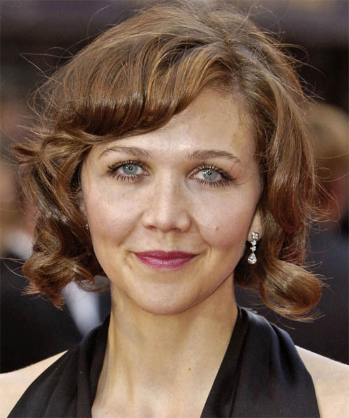 Maggie Gyllenhaal Medium Wavy Casual    Hairstyle