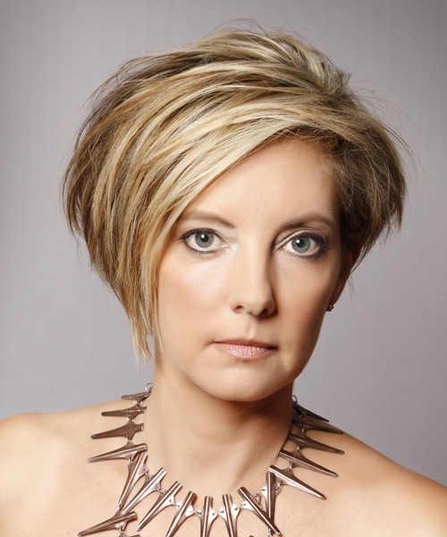Short Straight   Dark Blonde   Hairstyle   with Light Blonde Highlights