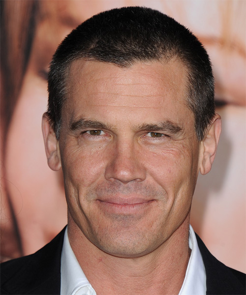 Josh Brolin Short Straight Dark Brunette Hairstyle