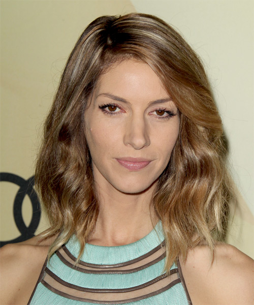 Dawn Olivieri Medium Wavy Casual    Hairstyle   - Light Golden Brunette Hair Color with Light Blonde Highlights