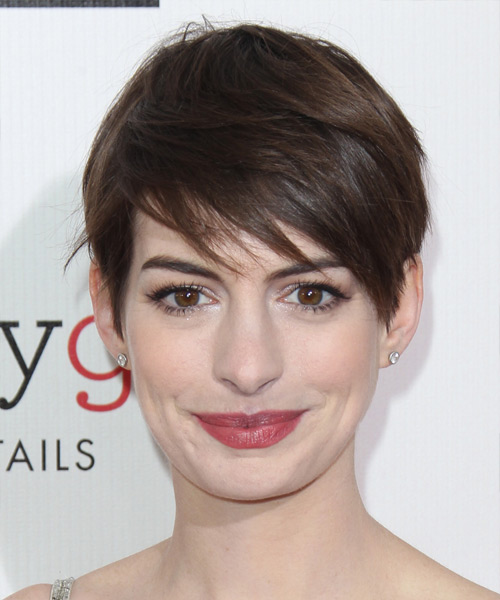 Anne Hathaway Short Straight Casual    Hairstyle with Side Swept Bangs