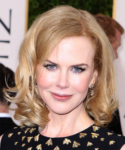 Nicole Kidman Medium Wavy Layered   Strawberry Blonde Bob  Haircut